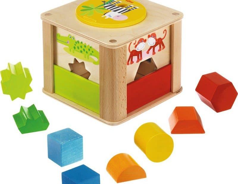 Les jouets en bois pour les bébés
